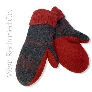 🛍3/$30 Super Warm Fleece Lined Wool Mittens